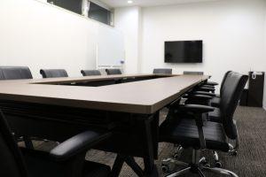 利用シーンは様々な会議室